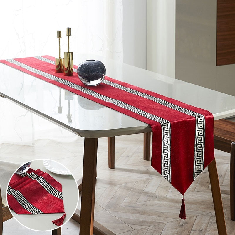 1pcs Embroidered Stripe Geometric Luxury Dining Table Runners with Tassels Table Cloth for Wedding Party Decoration