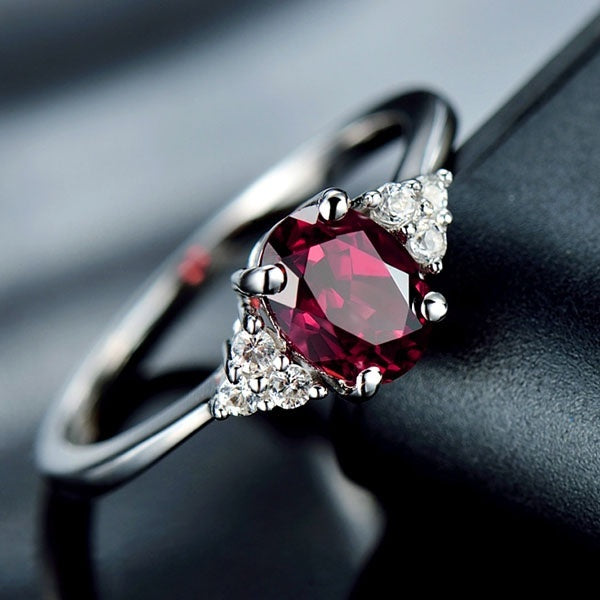 Women Dainty 925 silver  Red Gemstone Rubine Diamond Rings Wedding Engagement Party Ring Jewelry