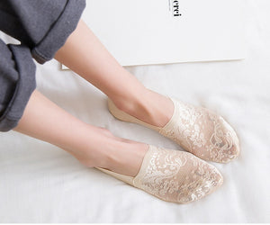 1 Pair of 7 Colors Women Fashion Lace Socks Summer Invisible Socks Shallow Mouth Women's Mesh Cotton Boat Socks