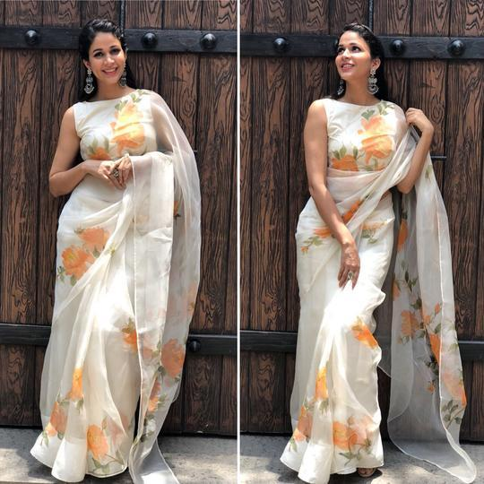 Off White color Flowered Party wear Linen Digital Printed Sari