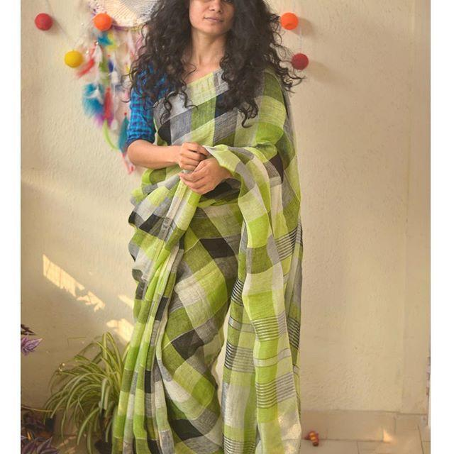 Light Green colored Party wear Linen Digital Printed Sari