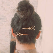 Load image into Gallery viewer, 2pcs Simple Personality Style Small Scissors Women's Hair Clips  Hair Accessory