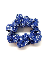 Load image into Gallery viewer, Bandana Print Scrunchie