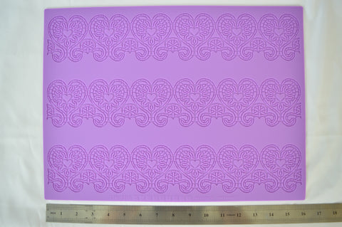 Hearts Border Silicone Lace Mat