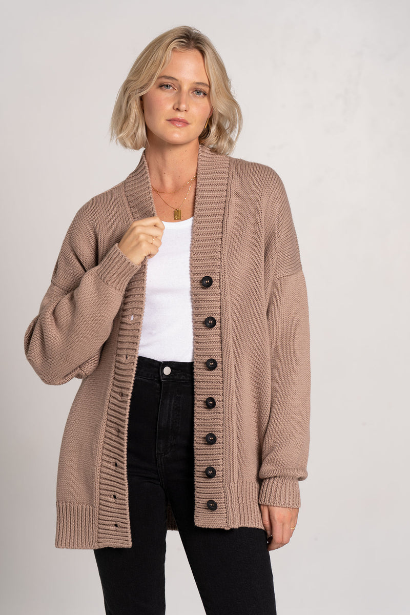 CHUNKY V NECK CARDIGAN ALMOND - I LOVE MR. MITTENS