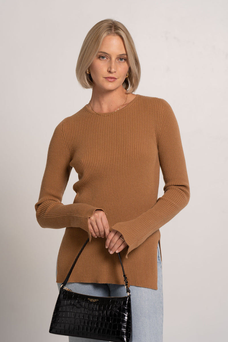 RIB FITTED CREW NECK KNIT RUST - BASSIKE