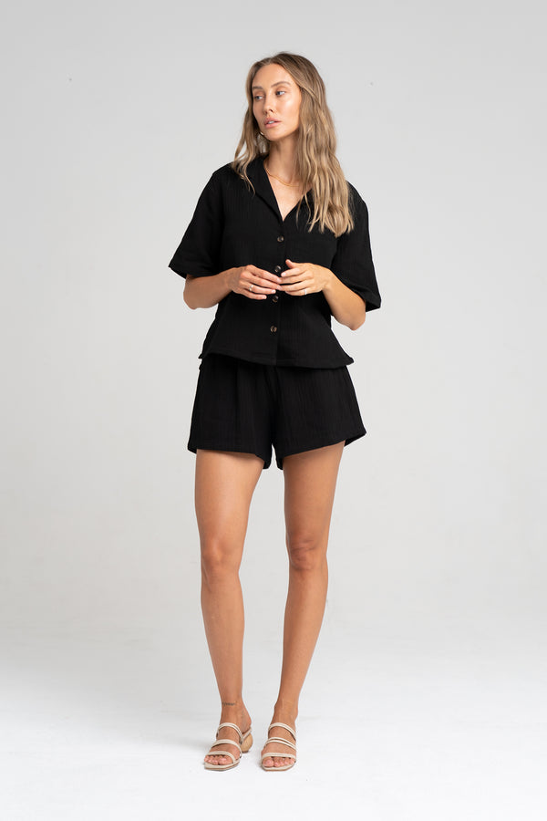 ISLAND SHORT BLACK - SARA FOX THE LINE