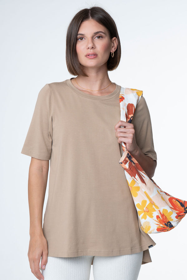 DAWN OVERSIZED BED TEE LATTE - LE BUNS