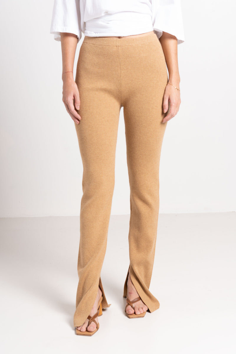 KNITTED FLARED TIGHTS CARAMEL - BASSIKE