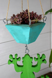 Frog hanging with turquoise planter