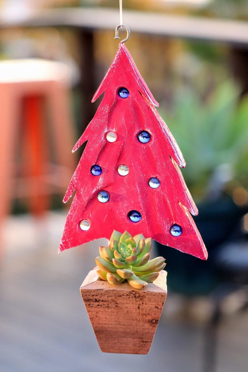 Pink Christmas tree marble planter