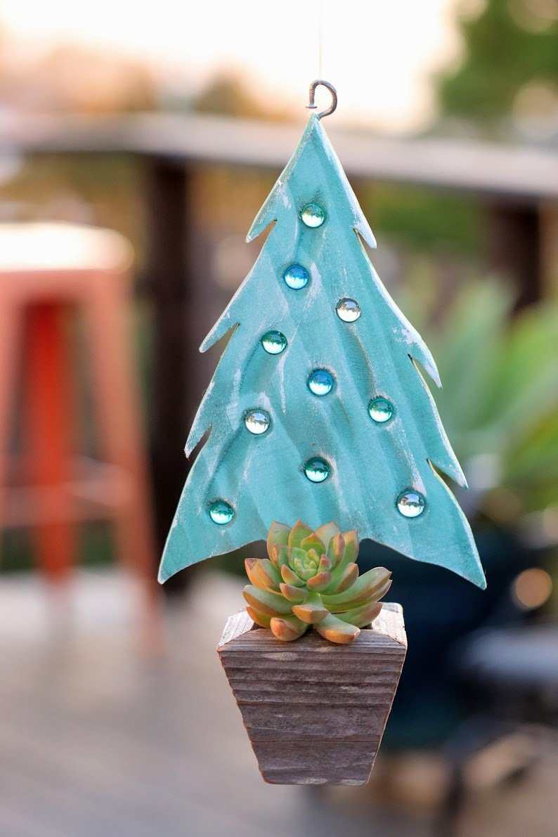Blue Christmas tree marble planter