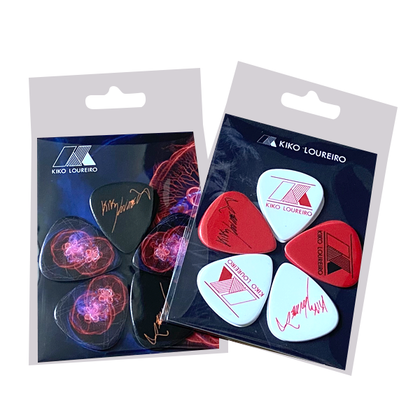 2 sets of customized guitar picks