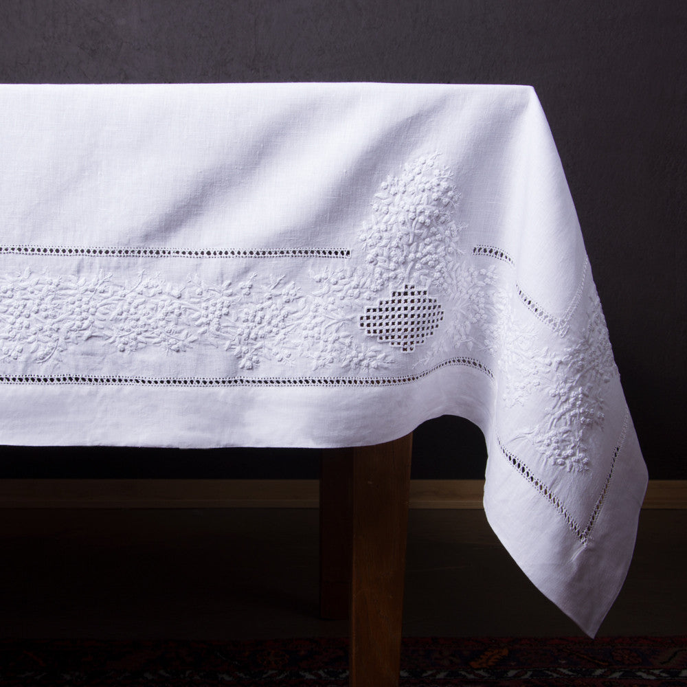 Jardin Estate<br>Tablecloth - White Linen