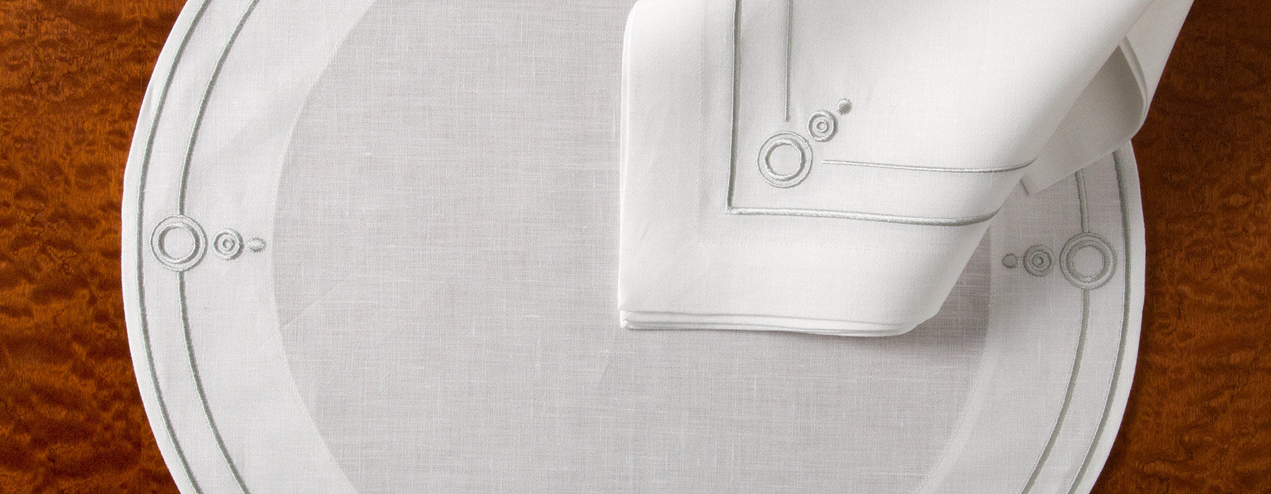 E. Braun – About Table Linens