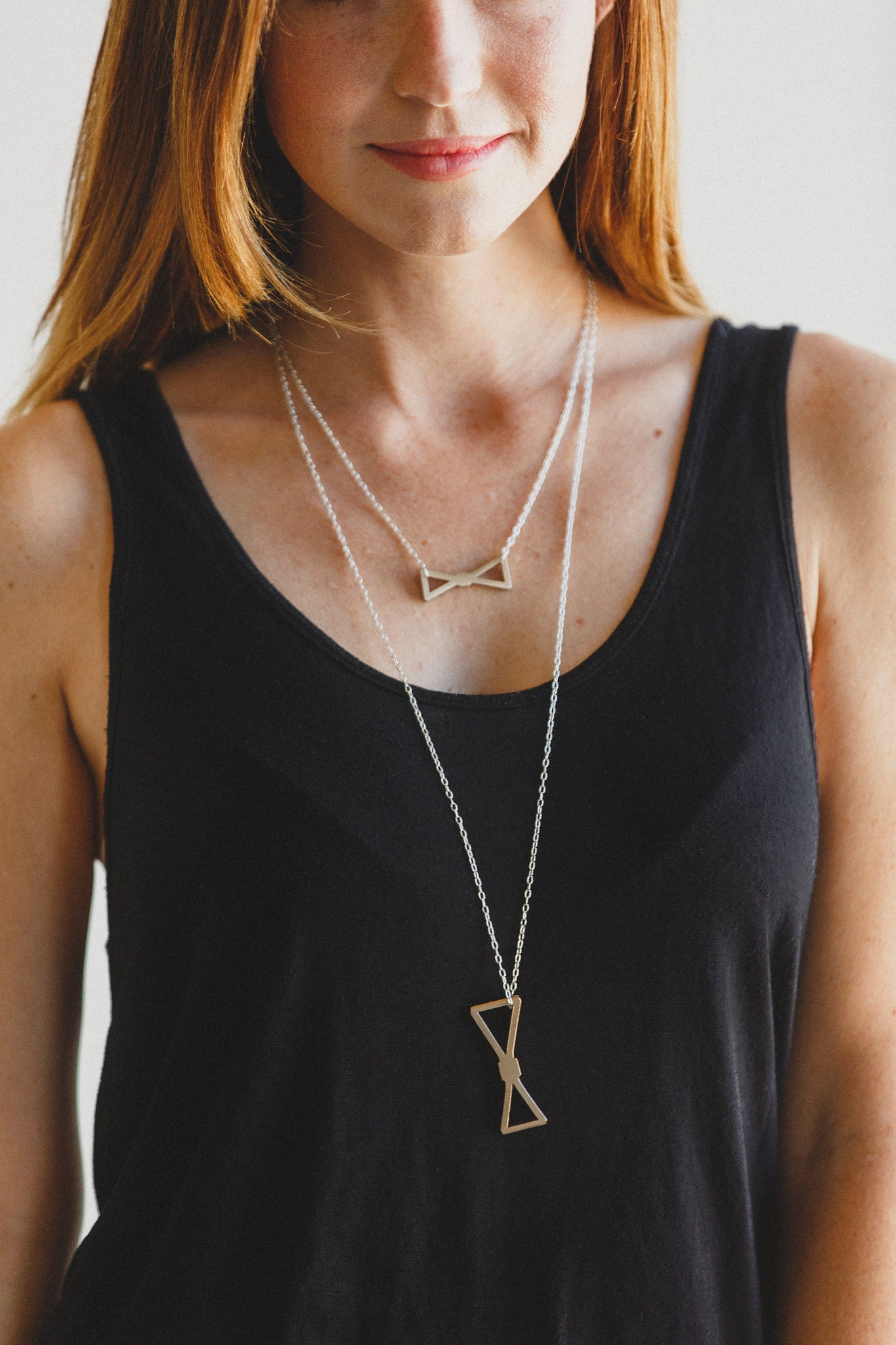 LONG BOW TIE NECKLACE
