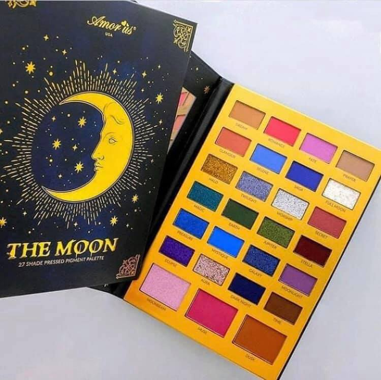 The Moon- Pressed Pigment Palette