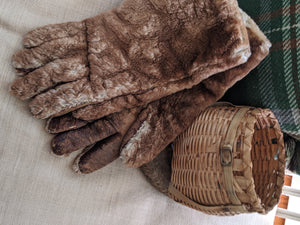 Fur Turn of the Century Gloves