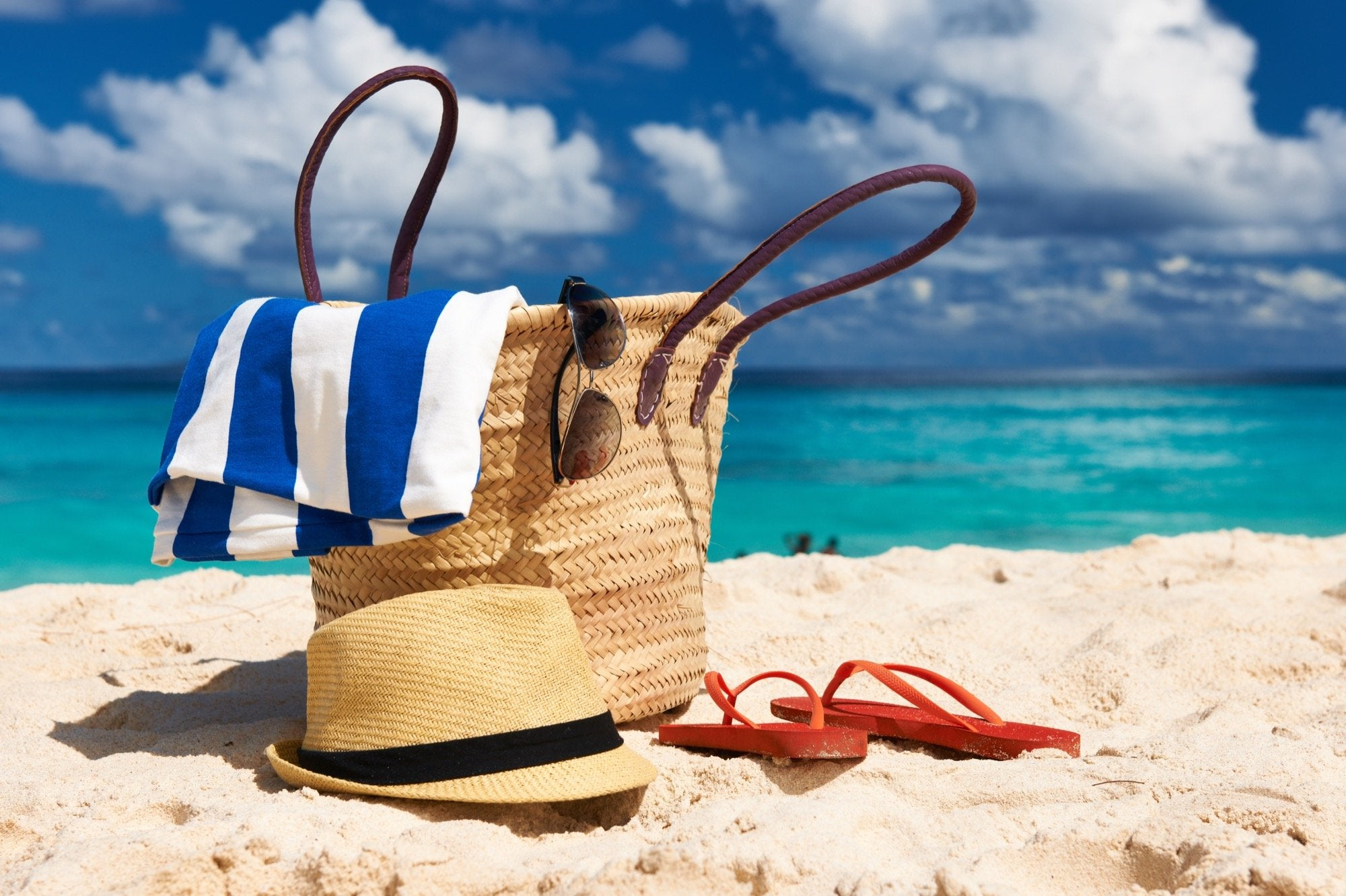 6 Beach Bag Essentials You Need Now
