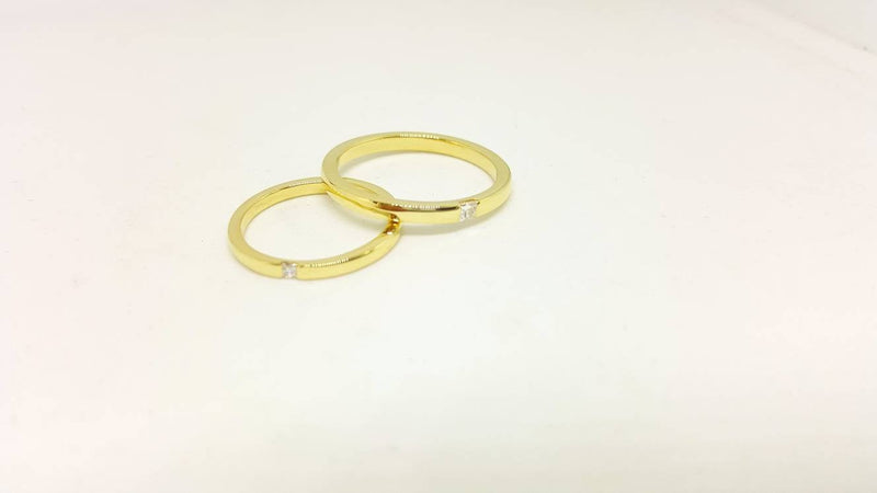 Classic He or She set Yellow Gold Wedding Band