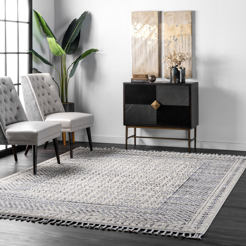 nuLOOM Claudia Diamond Tassel Area Rug