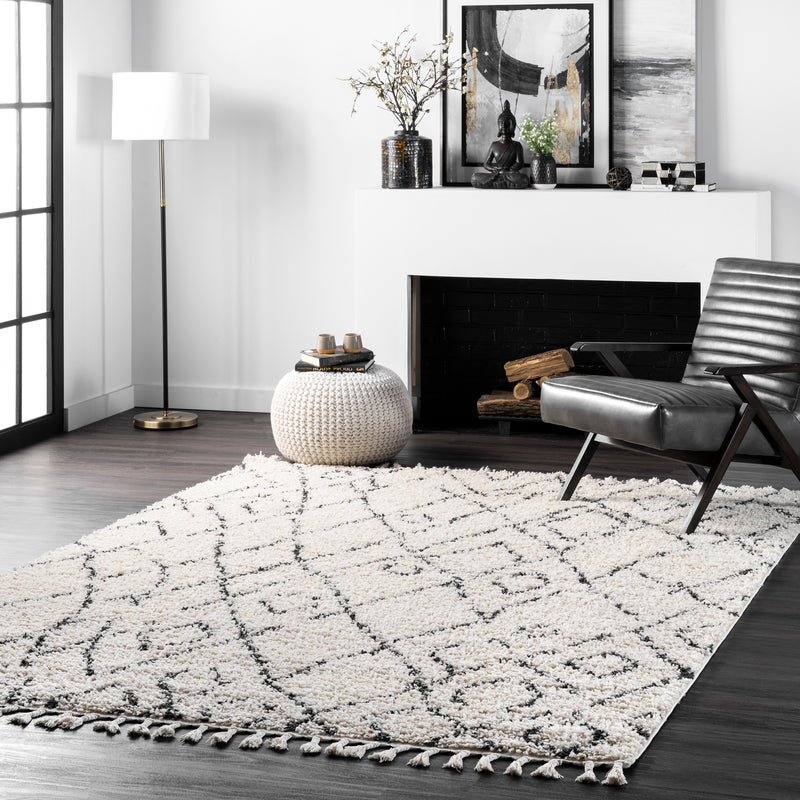 Nieves Moroccan Diamond Tassel Area Rug