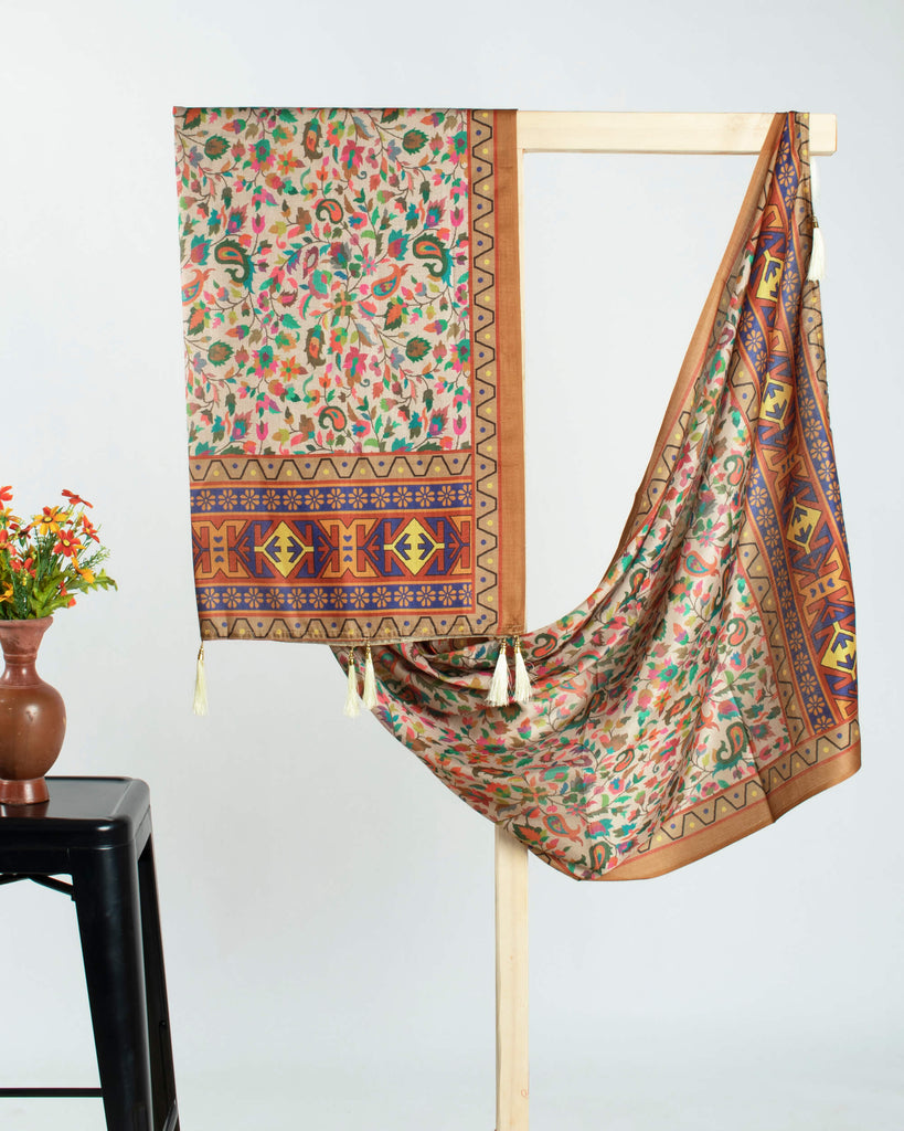 Cream And Orange Paisley Pattern Digital Print Gadwal Silk Dupatta With Tassels - Fabcurate