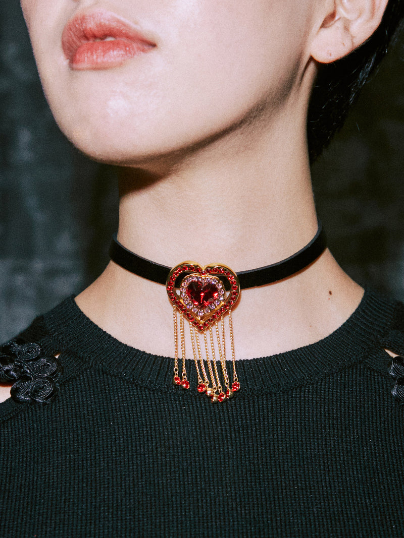 Whitchs Heart Choker