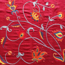 Load image into Gallery viewer, Hand Embroidered Silk Stole - Flower Design