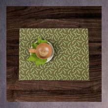 Load image into Gallery viewer, Banana Print Table Mat