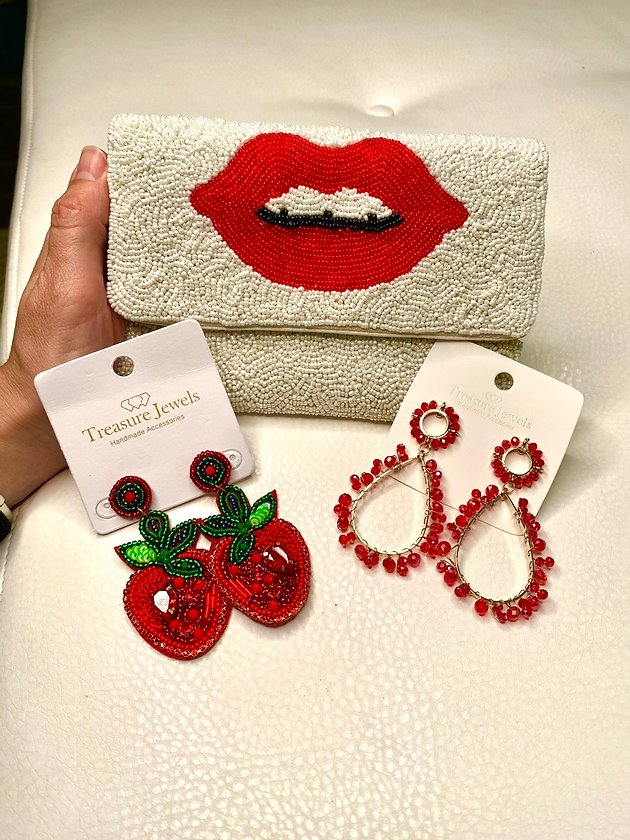 Lips mini clutch