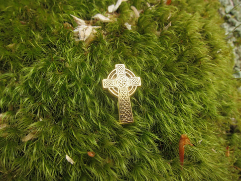 Celtic Cross Gold Lapel Pin