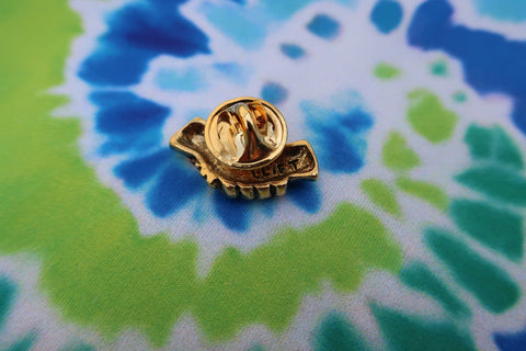 Handshake Gold Lapel Pin
