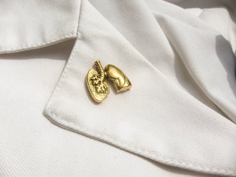 Lungs Gold Lapel Pin