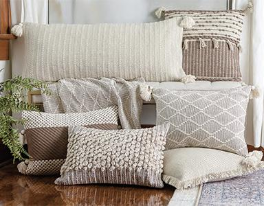 Pillows, Throws & Rugs