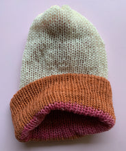Load image into Gallery viewer, Reversible Wool Hat - Rose Rust White