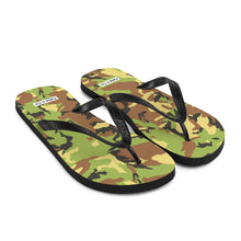 Load image into Gallery viewer, Green Camo Mens Flip-Flops