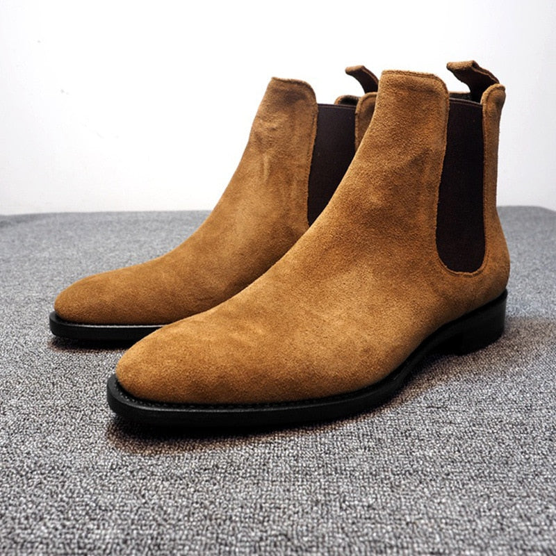 Dorobanti Suede Chelsea Boots
