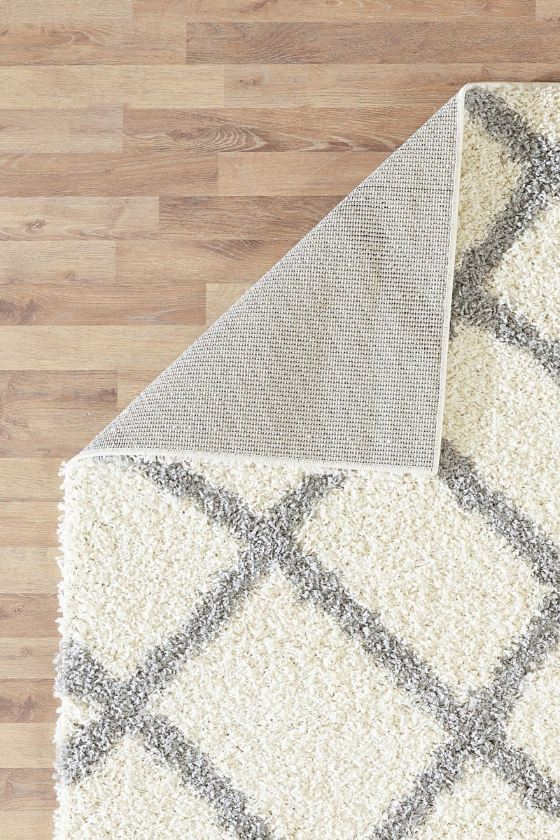 Moroccan 5530 Shaggy Ivory Rugs - The Rugs Outlet
