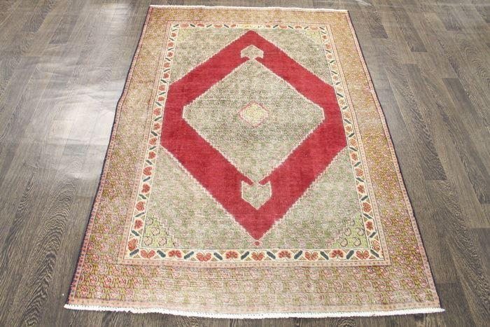 Traditional Vintage Handmade Rug 123x180cm - The Rugs Outlet