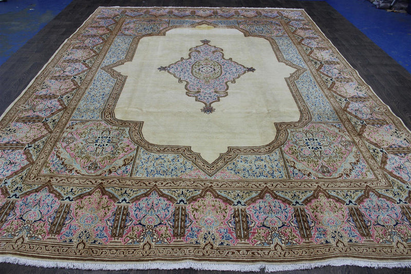Traditional Vintage Handmade Rug 304x404cm - The Rugs Outlet