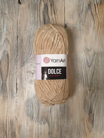 Yarn Art - Dolce 747