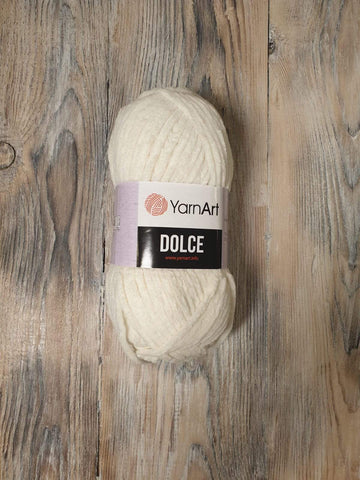 Yarn Art - Dolce 745