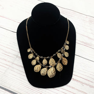 Primary Photo - BRAND:    CLOTHES MENTOR STYLE: NECKLACE COLOR: GOLD OTHER INFO: TWO STRAND SKU: 116-116126-31400