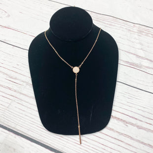 Primary Photo - BRAND:    CLOTHES MENTOR STYLE: NECKLACE COLOR: GOLD OTHER INFO: LARIAT SKU: 116-116126-31401