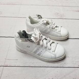 Primary Photo - BRAND: SKECHERS STYLE: SHOES ATHLETIC COLOR: WHITE SIZE: 6.5 SKU: 116-116137-7594