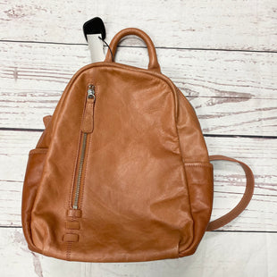 Primary Photo - BRAND: C AND C STYLE: BACKPACK COLOR: CARAMEL SIZE: MEDIUM SKU: 116-116137-8152