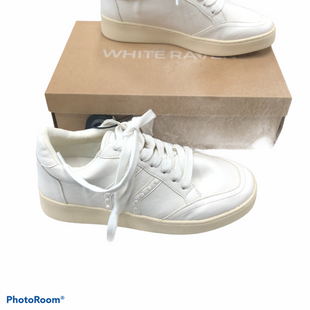 Primary Photo - BRAND:    CLOTHES MENTOR STYLE: SHOES ATHLETIC COLOR: WHITE SIZE: 7 OTHER INFO: WHITE RAVEN - MSRP 59.00 NWT SKU: 116-116134-8935