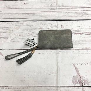 Primary Photo - BRAND:    CLOTHES MENTOR STYLE: WALLET COLOR: GREY SIZE: SMALL SKU: 116-116140-7010