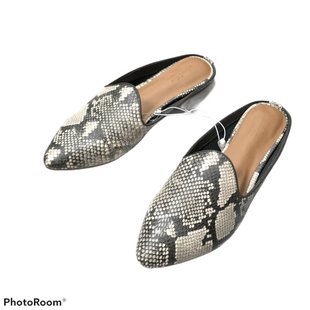 Shoes Flats By Universal Thread  Size: 9.5 - BRAND: UNIVERSAL THREAD STYLE: SHOES FLATS COLOR: SNAKESKIN PRINT SIZE: 9.5 SKU: 116-116126-34943